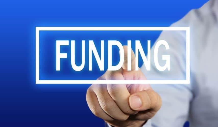 how do startups get funding USA