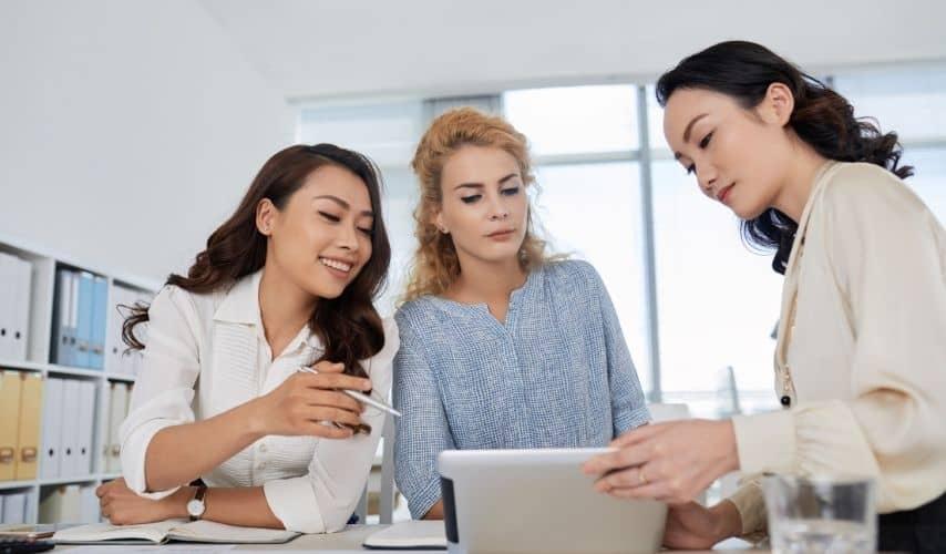 benefits and risks of social entrepreneurship