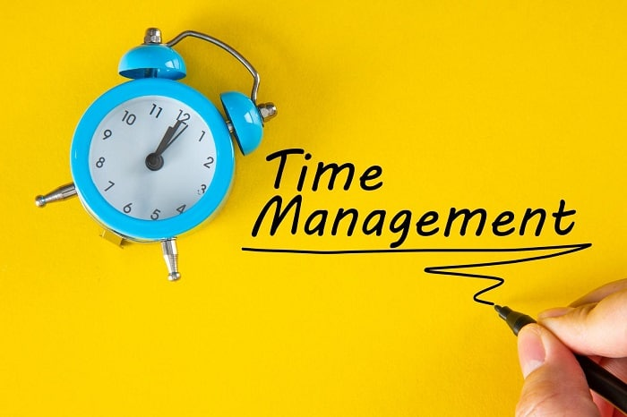 How to manage time when starting a business